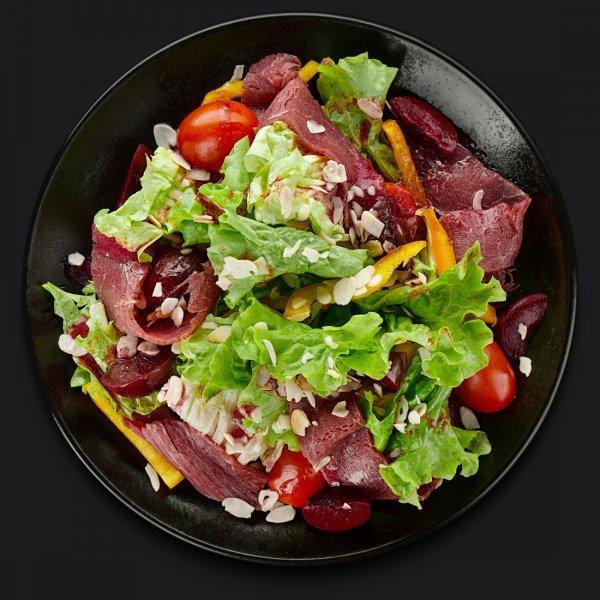 Салат с телятиной и сливой