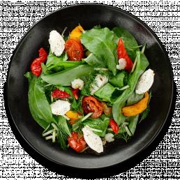 Салат из зелени и вяленых томатов со сливочным сыром