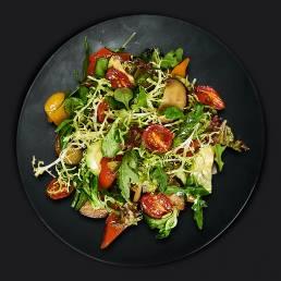 Летний салат с печёными овощами