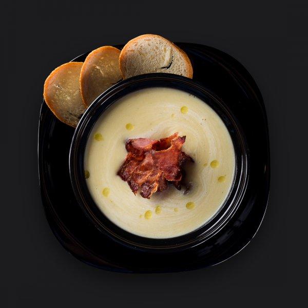 Луковый суп-пюре с беконом