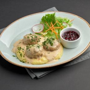Мясные фрикадельки под соусом грейви с картофельным пюре