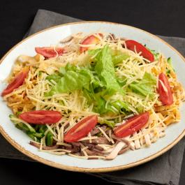 Салат с копчёным языком, курицей и грибами