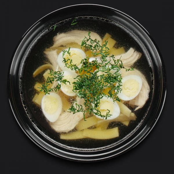 Куриный суп с перепелиным яйцом