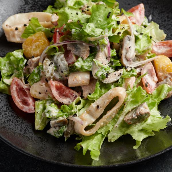 Салат с кальмаром и картофелем