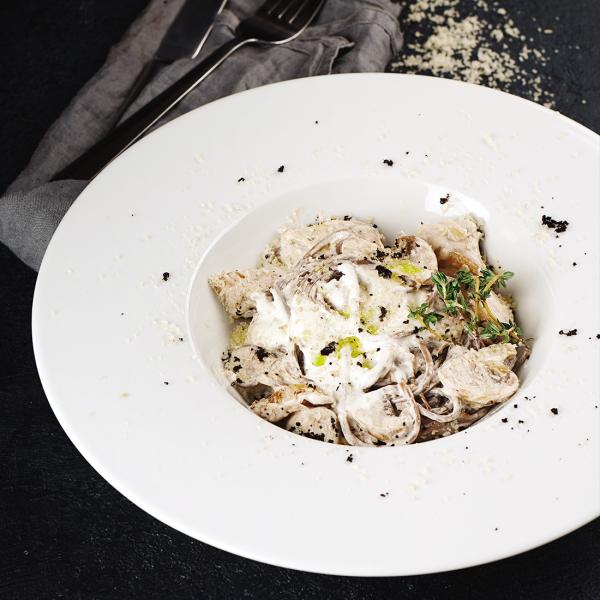 Гречневая лапша с белыми грибами в сливочном соусе