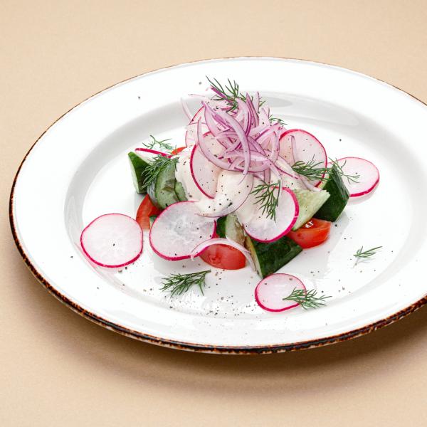 Овощной салат с деревенской сметаной