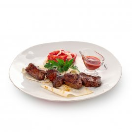 Махсус на лаваше с салатом ачик-чучук и томатным соусом