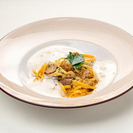 Лингвини с белыми грибами и трюфельным капучино
