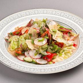 Фатуш - лёгкий овощной салат с пряной заправкой