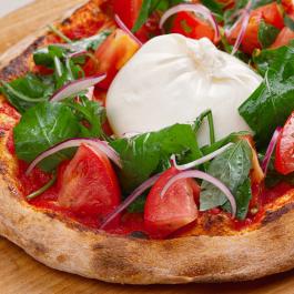 Пицца с бурратой