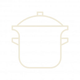 Салат с жареным баклажаном, рукколой и миндальными хлопьями