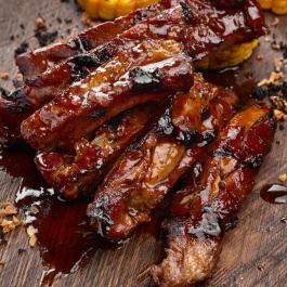 Свиные рёбрышки BBQ с кукурузой гриль