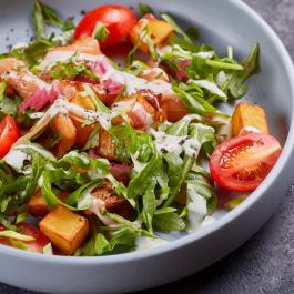 Теплый салат с сёмгой