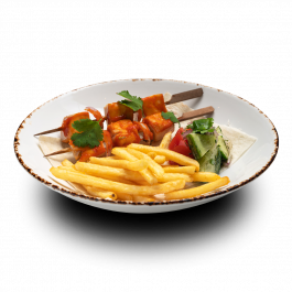 Шашлычки из куриного филе с летним салатом