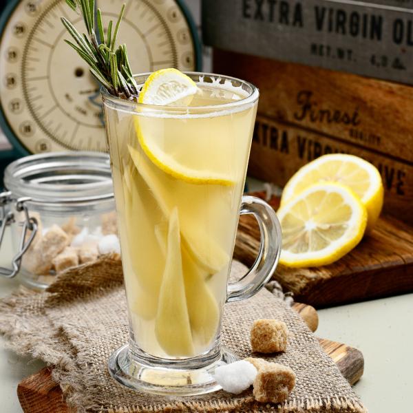 Имбирный чай с лимономи розмарином