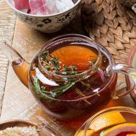 Азербайджанский чай с чабрецом и рахат-лукумом
