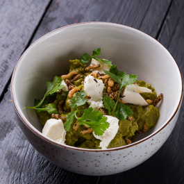 Закуска из острых баклажан и сыром фета