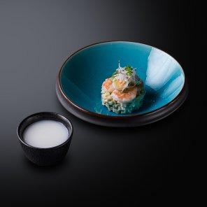 Окрошка по-японски с креветками на тане