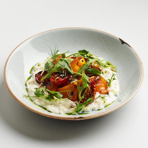 Страчателла с запечёнными томатами и перцем гриль