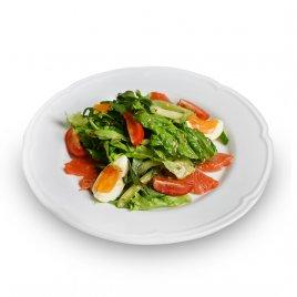 Салат «Дзков» с подкопченной неркой и овощами