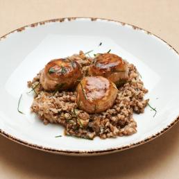 Куриные тефтели с гречкой и грибами