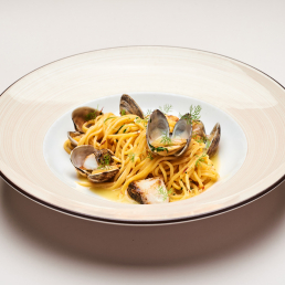 Спагетти с вонголе и палтусом