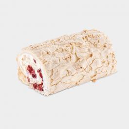 Меренговый рулет с ягодой