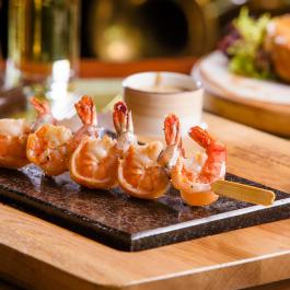 Тигровые креветки с пикантным соусом