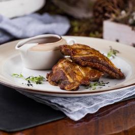 Рёбрышки свиные с соусом «Помодоро»