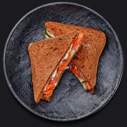 Сэндвич с лососем