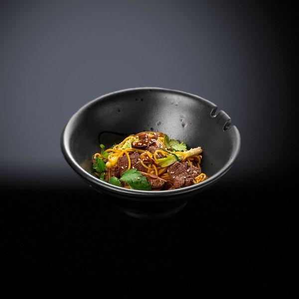 Лапша с говядиной и грибами шиитаке