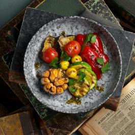 Овощи гриль с печёным чесноком