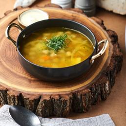 Бабушкин суп с рулетиками из мелко рубленной говядины и овощами