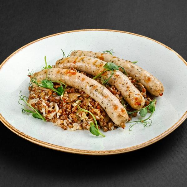 Колбаски из курицы с кедровыми орешками и гречкой