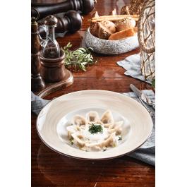 Пельмени из кабана в пикантном сливочном соусе с фетой
