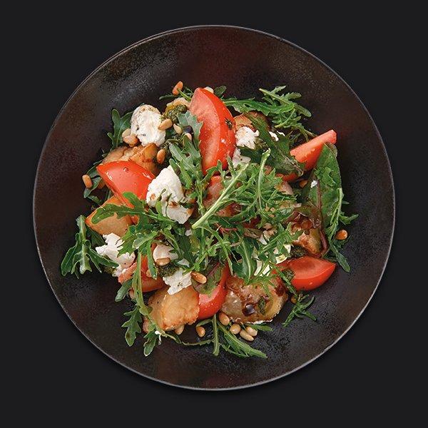 Салат с хрустящим баклажаном и крем-чиз