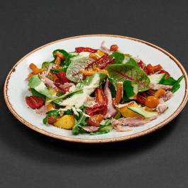Салат с уткой, маринованными опятами и грибной заправкой