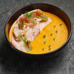 Тыквенный крем-суп с пастрами