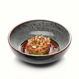 Тиан из сахалинской симы, авокадо и соус из томатов