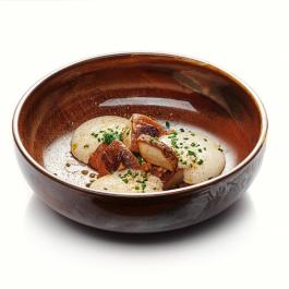 Жареные белые грибы, шпинат и пармезан