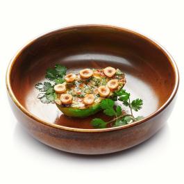 Авокадо гриль с соусом чимичурри